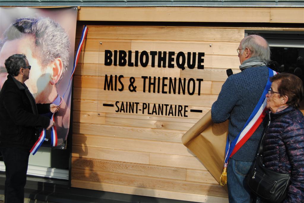 Inauguration d'une bibliothèque Mis et Thiennot à Saint-Plantaire.